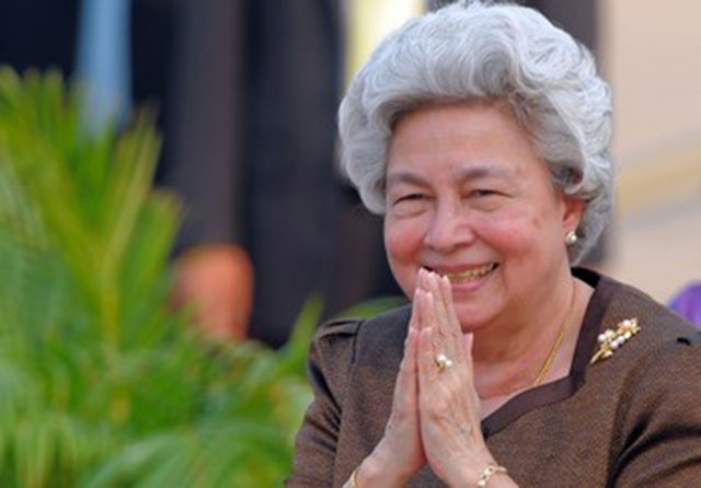 queen-monineath-sihanouk2-2014-06-22
