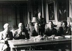1963 Signing of the Cobbold-Report 2