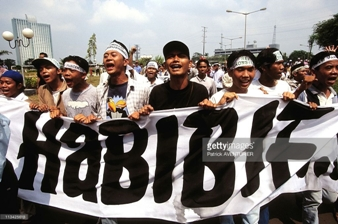 1999-10-15-anti-habibie